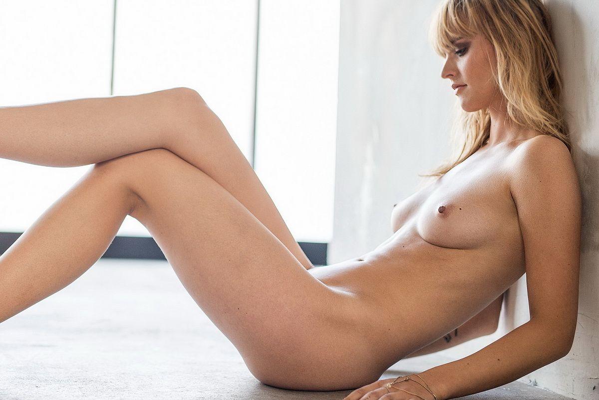 Cosima Viola  nackt