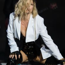 Stacy Fergie Ferguson raunchy on Rock In Rio in Lisbon 12x UHQ photos