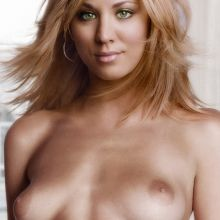 Kaley Cuoco full frontal naked photo UHQ