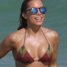 Sylvie Meis wearing sexy bikini on the beach in Miami 38x UHQ