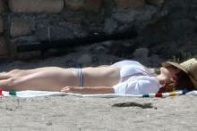 Lana Del Rey wearing sexy bikini on the beach in Malibu 55x HQ photos