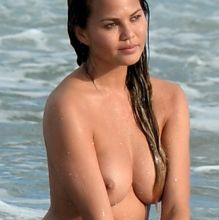 Chrissy Teigen nude photo shoot at Miami beach topless show big boobs and hard nipples 59x UHQ