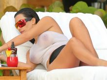 Kim Kardashian boobs in Wet T Shirt in Mexico 2014 June 28x UHQ