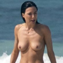 Jaime Murray topless at a beach in Mexico 32x HQ