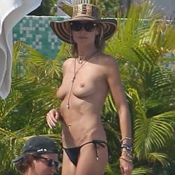 Heidi Klum topless candids in Saint-Barthelemy 8x HQ photos
