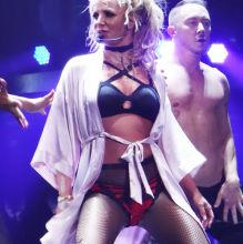 Britney Spears sexy lingerie spread legs bends over performing on stage in Las Vegas 60x UHQ photos