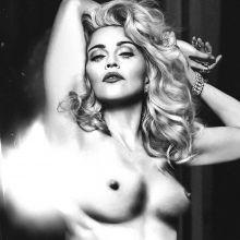 Madonna topless show big boobs 3x HQ photos