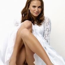 Natalie Portman upskirt pantyless in wedding dress HQ photo