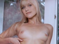 Reese Witherspoon naked spread legs nude photo shoot UHQ