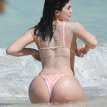 Kylie Jenner big ass in tight bikini candids on the beach in Turks and Caicos 62x HQ photos
