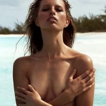 Karolina Kurkova topless Thiemo Sander photo shoot 9x UHQ