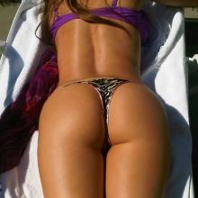 Sofia Vergara hot ass shot in a bikini Twitpic HQ