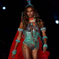 Jasmine Tookes sexy see through lingerie cameltoe 2017 Victoria's Secret Fashion Show 50x HQ photos