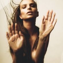 Emily Ratajkowski nude topless by Mark Sacro photo shoot 4x HQ