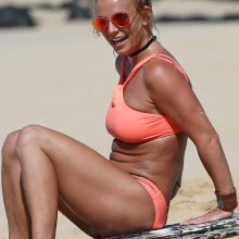 Britney Spears topless pokies in sexy neon peach bikini on the beach in Hawaii 56x HQ photos