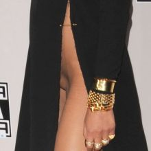 Chrissy Teigen pantyless upskirt flashes her shaved pussy at the 2016 American Music Awards 52x UHQ ADDS