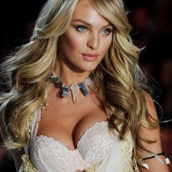 Candice Swanepoel 2013 Victoria's Secret Fashion Show 113x UHQ