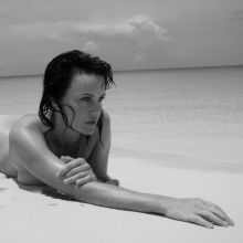 Carla Gugino nude on the beach Twitpic HQ