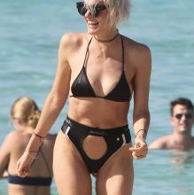 Miriam Nervo, Olivia Nervo sexy bikini pokies candids on the beach in Miami  24x HQ photos