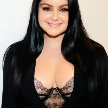 Ariel Winter cleavage on The Gray Studios Oscars 2016 Film Screenings in Los Angeles 13x HQ photos