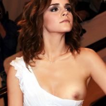 Emma Watson downblouse at Met Gala HQ photo