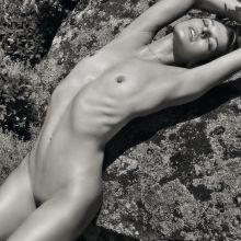 Milla Jovovich young and fully naked for Pirelli Calendar UHQ photo