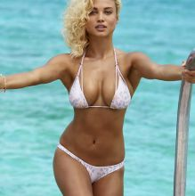 Rose Bertram - Sports Illustrated Swimsuit 2017 topless bare ass tiny bikini big boobs 28x HQ photos