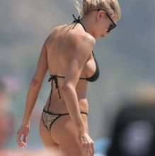 Charlotte McKinney big boobs pokies in tight bikini on the beach in Santa Monica 20x HQ photos