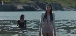 Noée Abita, Laetitia Casta - Une île S01 E03 720p (2019)