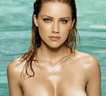 Amber Heard beauty topless photo UHQ