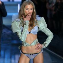 Vita Sidorkina sexy Victoria's Secret lingerie 2015 Fashion Show 3x HQ