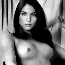 Jodi Lyn O'Keefe from The Vampire Diaries topless photo UHQ