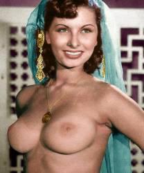 Loren topless sophia Sophia Loren