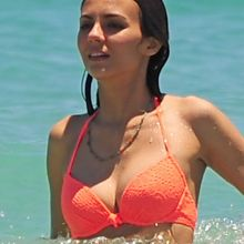 Victoria Justice wearing sexy bikini on the beach in Fort Lauderdale 49x UHQ photos