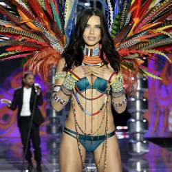 Adriana Lima sexy see through lingerie cameltoe 2017 Victoria's Secret Fashion Show 19x MixQ photos