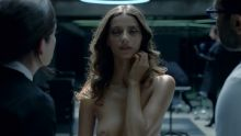 Evan Rachel Wood, Angela Sarafyan, etc. - Westworld S01 E01 720p nude topless sex scenes