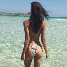 Emily Ratajkowski hot boobs and booty on the beach 4x HQ Instagram photos