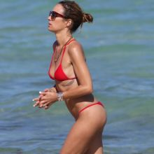 Catt Sadler wearing tiny bikini and exposed pubic hair on the beach in Miami 28x UHQ