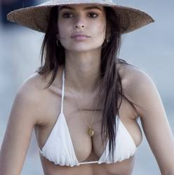 Emily Ratajkowski areola slip in tiny bikini candids on the beach in Malibu 114 xHQ photos