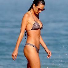 Alessandra Ambrosio sexy bikini candids on Ipanema beach in Rio de Janeiro 41x HQ photos