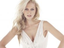 Teresa Palmer sexy hot cleavage pokies for The Sorcerer's Apprentice promo shoot 28x UHQ photos