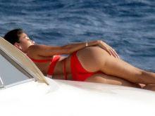 Nicole Scherzinger flaunts her amazing ass and boobs in bikini candids on the yacht in Greece 37x HQ photos