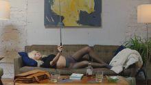 Emily Ratajkowski - Easy S01 E05 720p lingerie sex scene