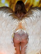 Doutzen Kroes sexy 2014 Victoria's Secret Fashion Show in London 5x UHQ