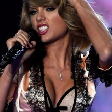 Taylor Swift sexy 2014 Victoria's Secret Fashion Show in London 30x UHQ