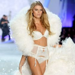 Maryna Linchuk 2013 Victoria's Secret Fashion Show 5x UHQ