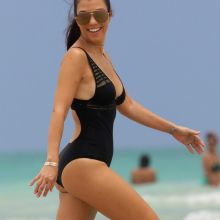Kourtney Kardashian big ass in sexy swimsuit candids on the beach in Miami 115x HQ photos