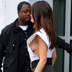Selena Gomez braless boobs pop out sidebob nip slip out in Los Angeles 41x HQ photos