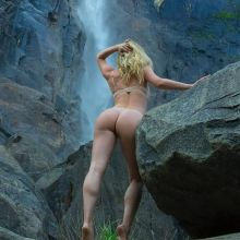 Sara Underwood nude topless pantyless pokies at Marymere Falls photo shoot 35x MixQ photos