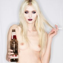Taylor Momsen naked on the The Pretty Reckless album cover UHQ